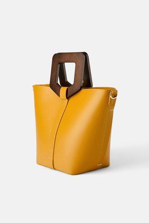 Zara Bolso shopper rígido asa madera