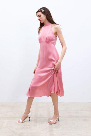 Zara Vestido midi satinado