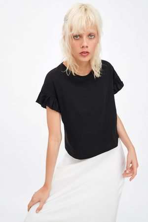 Zara Camiseta volantes