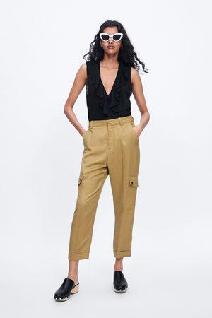 Zara Camiseta lino volantes