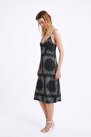 Zara Vestido estampado tirantes