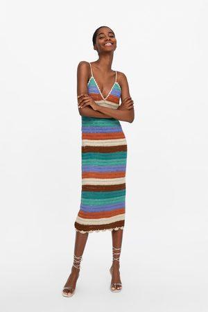Zara Vestido crochet rayas