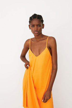 Zara Vestido plisado tul