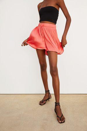 Zara Shorts plisado
