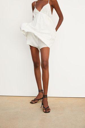 Zara Mono vestido rústico bordado
