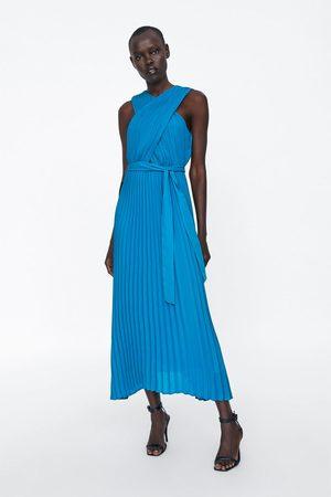 Zara Vestido plisado cruzado