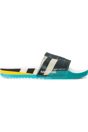 adidas Flip flops con agujetas