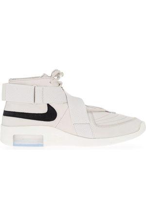 Nike Tenis con tiras cruzadas