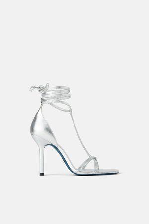 Zara Sandalia tacón piel atada blue collection