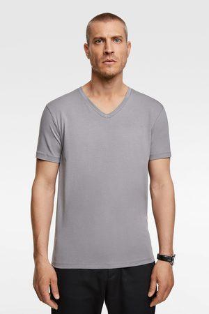 Zara Camiseta básica slim pico