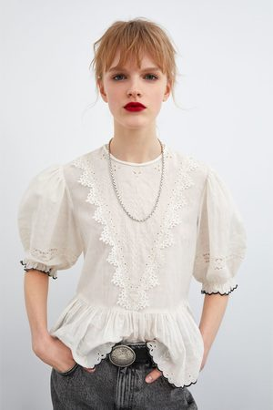 Zara Blusa perforado bordado