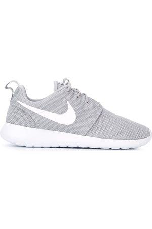 Oeste salud Viscoso  Tenis Nike zapatos grises para hombre   FASHIOLA.mx