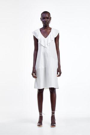 Zara Vestido combinado volantes