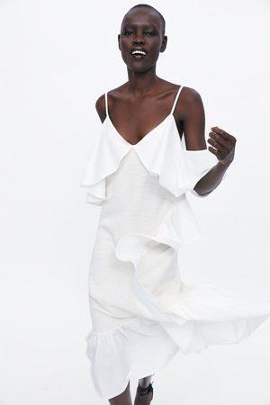 Zara Vestido volantes rústico