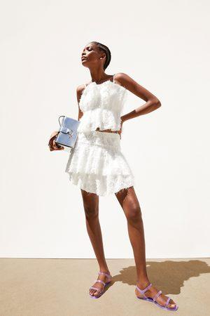 Zara Falda mini textura volante