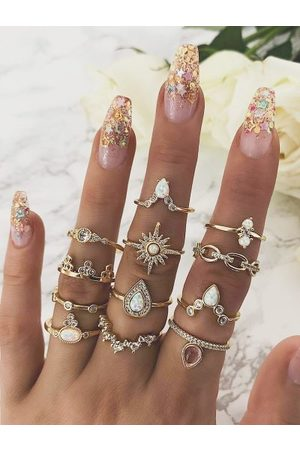 Zaful 12-piece Teardrop Diamante Ring Set