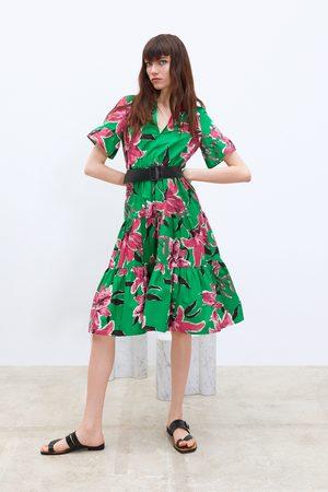Zara Vestido estampado floral cinturón