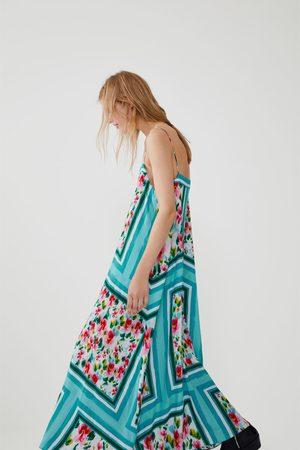Zara Vestido estampado