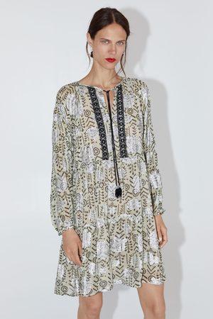 Zara Vestido mini estampado