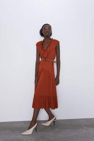 Zara Vestido volantes cinturón
