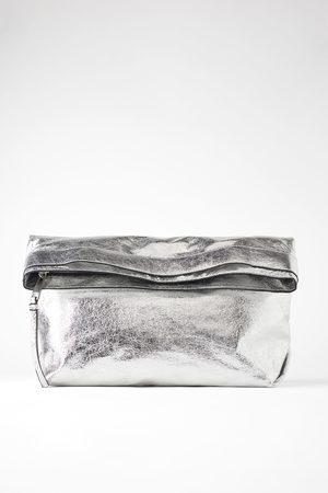 Zara Bolso maxi sobre metalizado