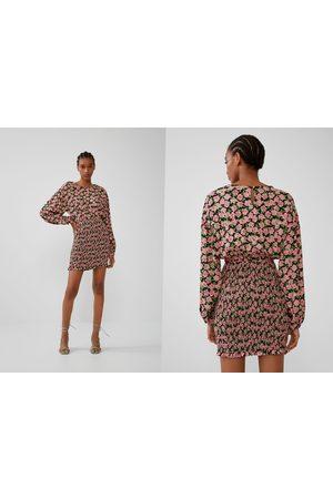 Zara Vestido estampado elástico