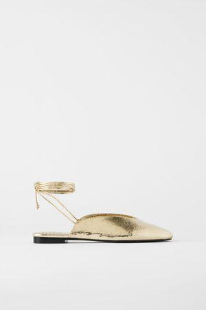 Zara Mujer Flats - Bailarina metalizada atada