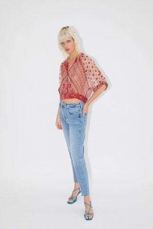 Zara Camisa cropped estampada