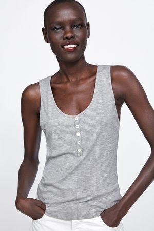 Zara Camiseta botones