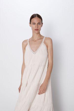 Zara Vestido punto detalle encaje
