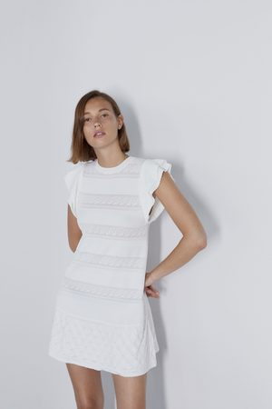 Zara Vestido pointelle volante