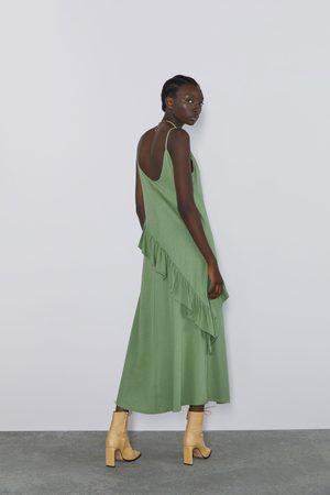 Zara Vestido volantes