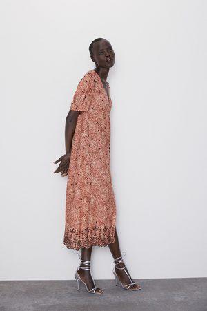 Zara Vestido estampado bordados