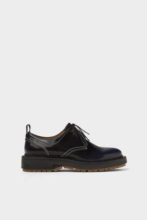 Zara Zapato piel negro acabado antic