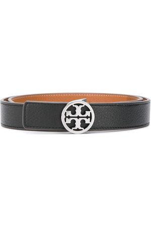 Tory Burch Cinturón con logo en la hebilla