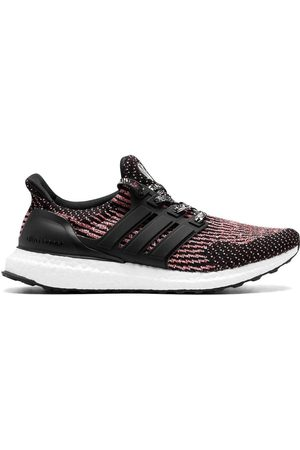 adidas Tenis UltraBOOST Chinese New Year