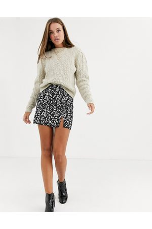 Daisy Street Mini skirt with front split in floral print