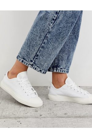 adidas Nizza trainers in white