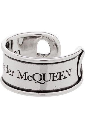 Alexander McQueen Anillo con diseño grabado