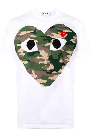 Comme Des Garçons Play Playera con corazón y estampado militar