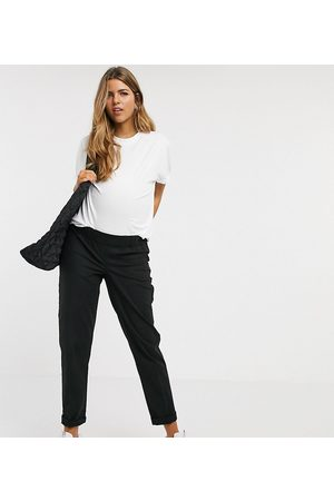 ASOS ASOS DESIGN Maternity chino trousers with under the bump waistband in black