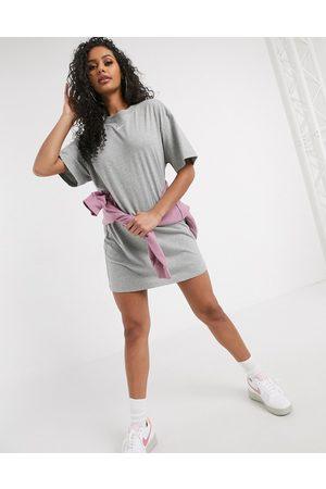 Nike Mini swoosh oversized t