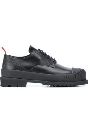 424 FAIRFAX Zapatos con lengüeta en contraste