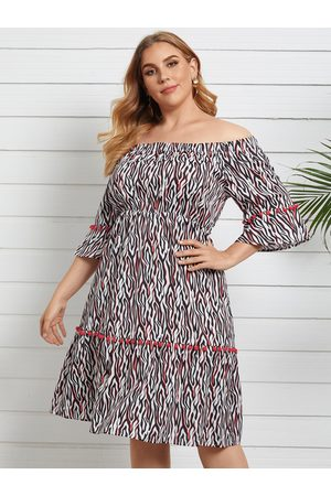 YOINS Plus Size Off The Shoulder Animal 3/4 Length sleeves Dress
