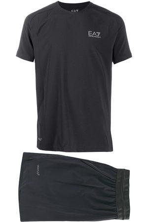 EA7 Hombre Shorts - Traje deportivo con logo estampado