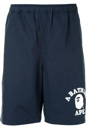 A BATHING APE® Shorts deportivos con logo