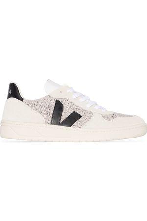 Veja Off white V-10 low top sneakers