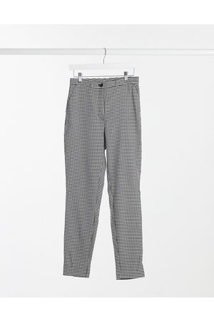 Monki Petra recycled slim trousers in houndstooth