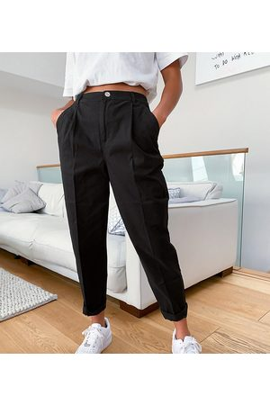 ASOS ASOS DESIGN Petite chino trousers in black