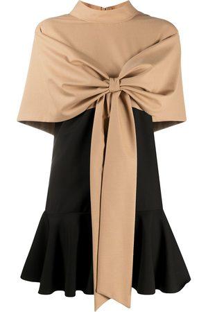 Atu Body Couture Vestido con lazo en la parte delantera